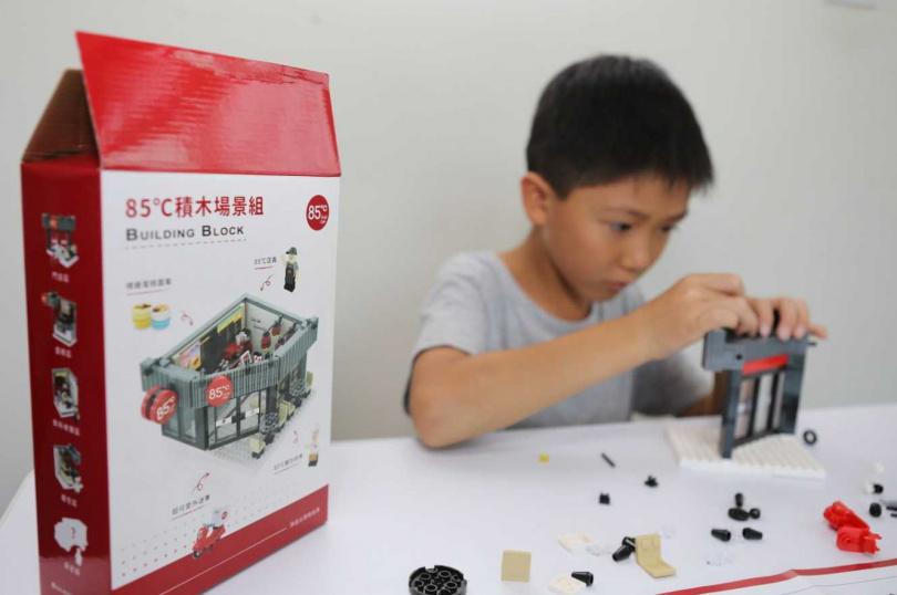 如果不想按照說明書組裝,小朋友也可以自行發揮創意。