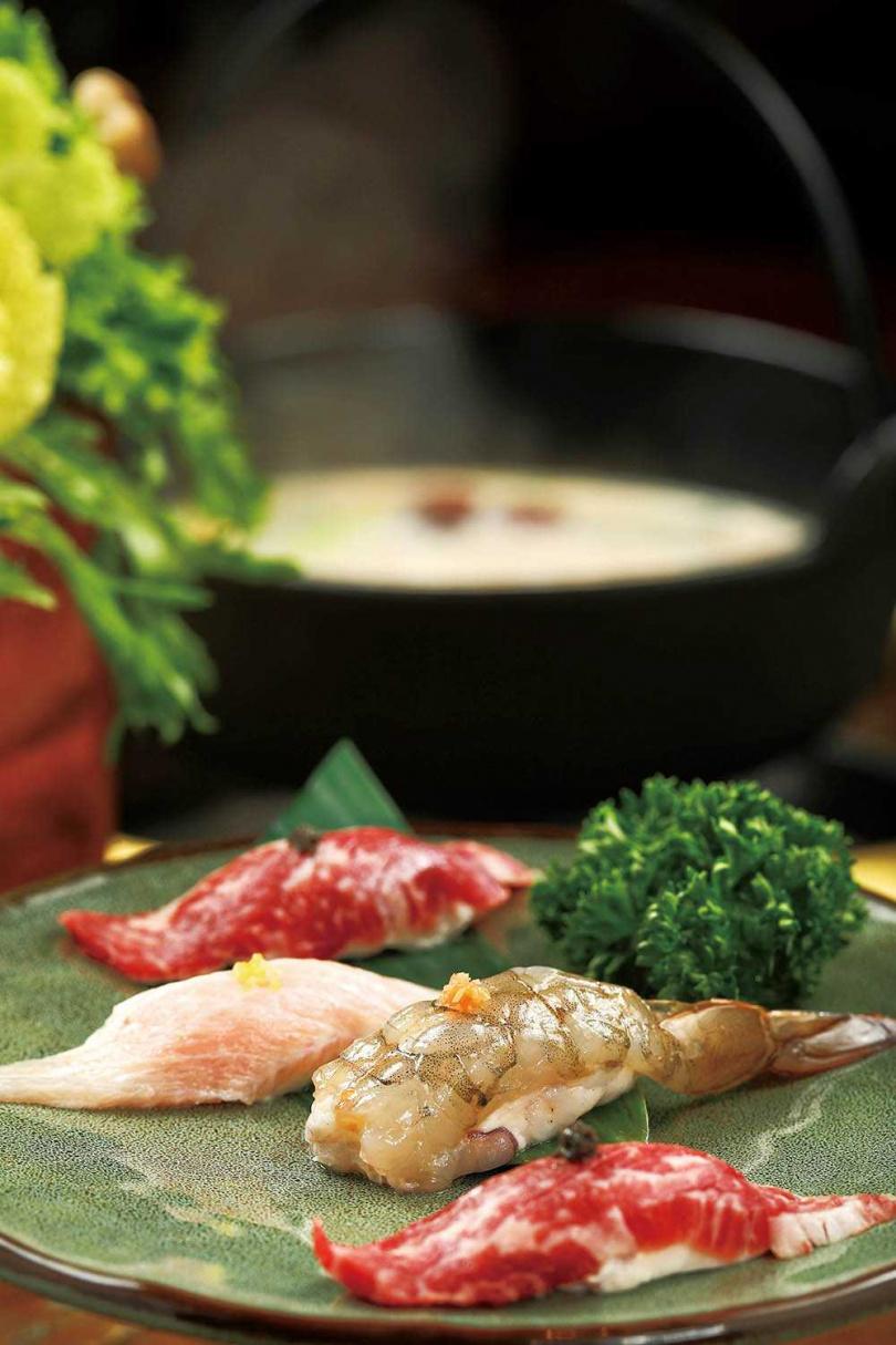 店家將蝦滑、牛肉滑的外觀做成壽司造型,極具巧思。(圖/于魯光攝)