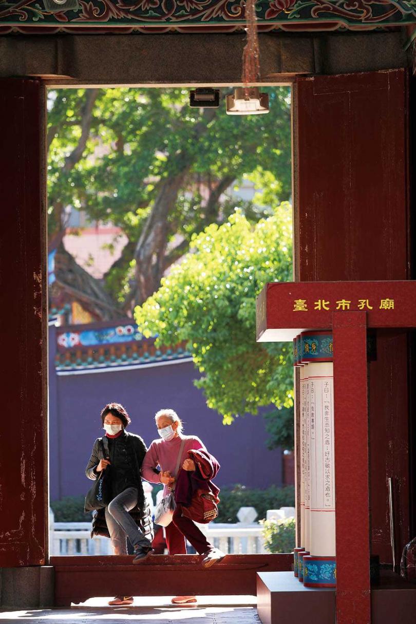 「臺北市孔廟」風格素雅,平時也有不少旅客前來遊賞。(圖/于魯光攝)