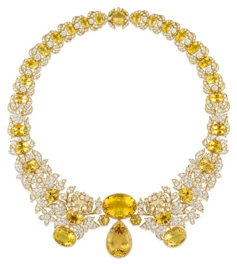 GUCCI「Hortus Deliciarum歡愉花園」系列高級珠寶,黃色綠柱石獅頭黃金鑲鑽項鍊。(圖╱GUCCI提供)