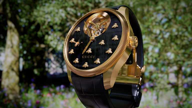 GUCCI「G-Timeless Dancing Bees Tourbillon」陀飛輪腕錶╱價格店洽。(圖╱GUCCI提供)