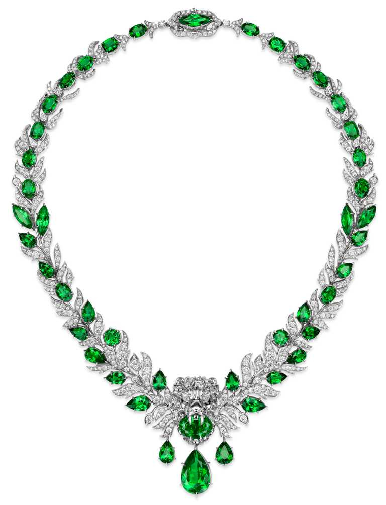 GUCCI「Hortus Deliciarum歡愉花園」系列高級珠寶,沙弗萊石獅頭白金鑲鑽項鍊。(圖╱GUCCI提供)