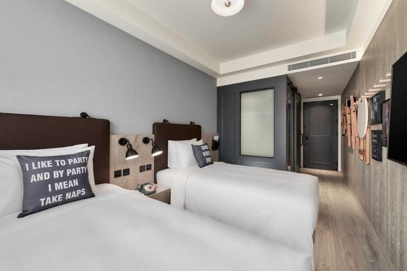 台中Moxy入住兩間客房或住宿兩晚只要2,500元起,再加碼送好禮。(圖/台中豐邑Moxy酒店提供)