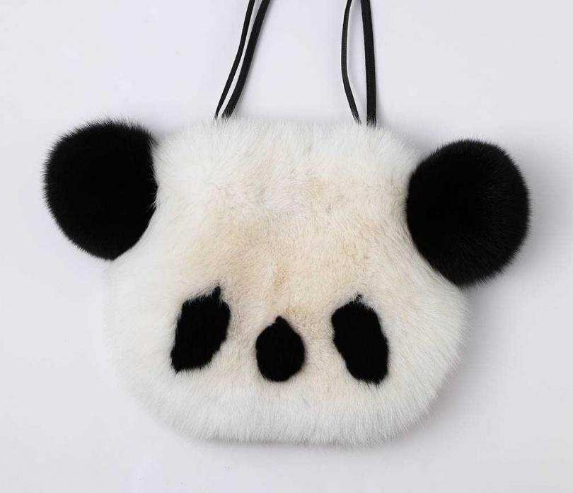 KEITA MARUYAMA 熊貓包/約50,000元(攝影/戴世平)