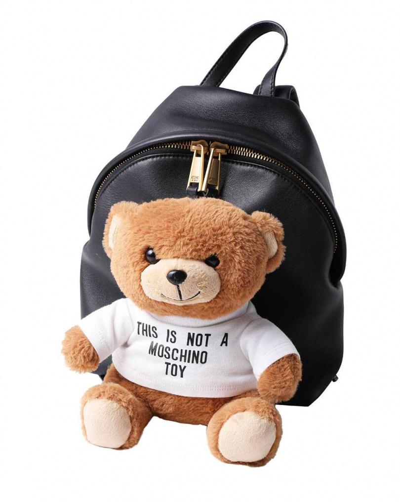 MOSCHINO可拆式熊玩偶後背包/49,800元(攝影/戴世平)