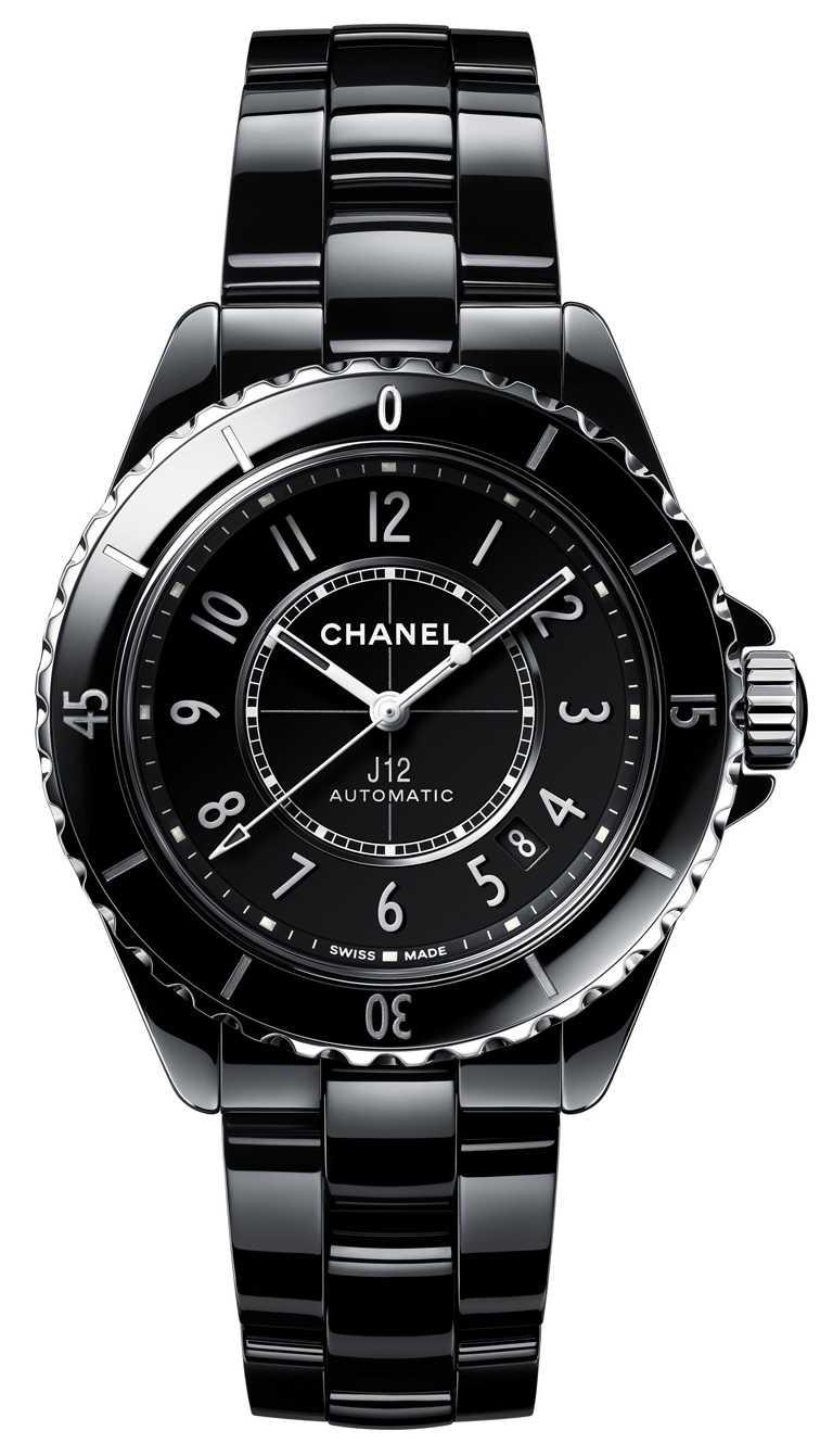 CHANEL「J12」腕錶,38mm,黑色抗磨精密陶瓷搭配精鋼錶殼,黑色漆面錶盤,Caliber 12.1型自動上鏈機芯╱212,000元。(圖╱CHANEL提供)