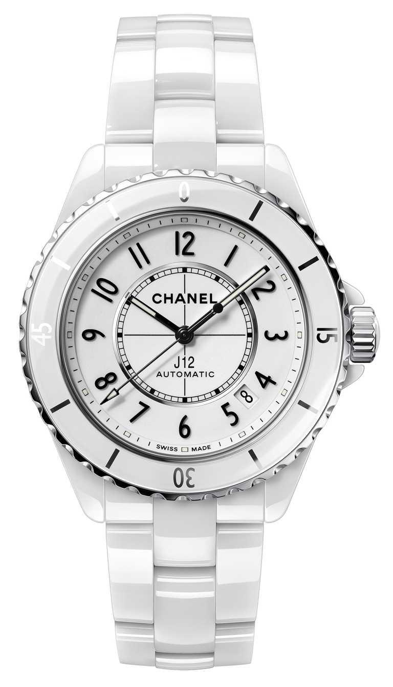 CHANEL「J12」腕錶,38mm,白色抗磨精密陶瓷搭配精鋼錶殼,白色漆面錶盤,Caliber 12.1型自動上鏈機芯╱212,000元。(圖╱CHANEL提供)