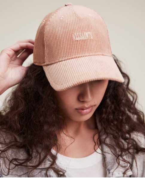 Willa粉色燈芯絨棒球帽定價 2,500元