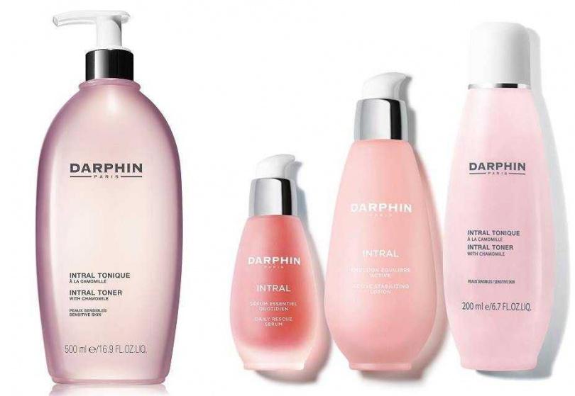 DARPHIN全效舒緩化妝水500ml/2,500元、DARPHIN小清新粉紅透亮組/5,355元  內含全效舒緩精華液50ml+全效舒緩健康乳100ml+全效舒緩化妝水200ml。(圖/品牌提供)