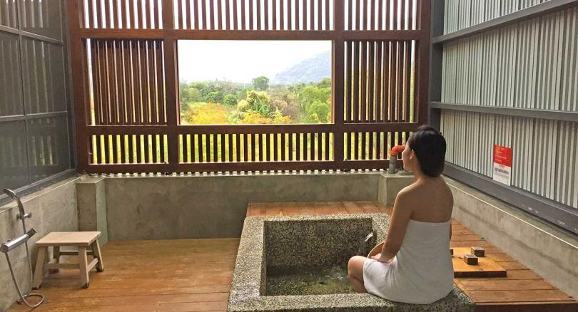 「松邑莊園」雙人日式湯屋享黃金湯、星空景。(攝影/楊麗雯)