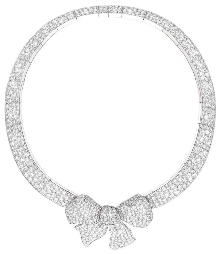 CHANEL「1932 Bijoux de Diamants」系列,RUBAN項鍊(大型款)╱鉑金,鑲嵌855顆總重約79.80克圓形切割鑽石。(圖╱CHANEL提供)