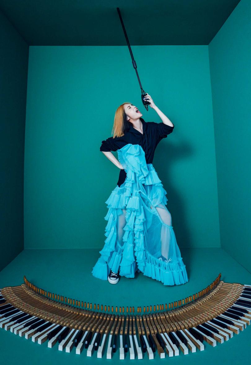 楊丞琳對於自己是歌手、演員等多重身份樂在其中,也沒有轉換的問題,更霸氣表示,「我就是這麼多元。」(圖/EMI提供)