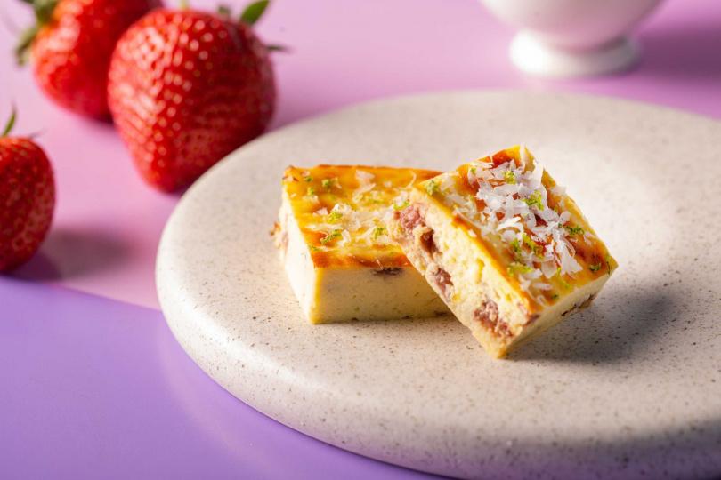 草莓風味瑞可塔起司磚。(圖/台北萬豪酒店提供)