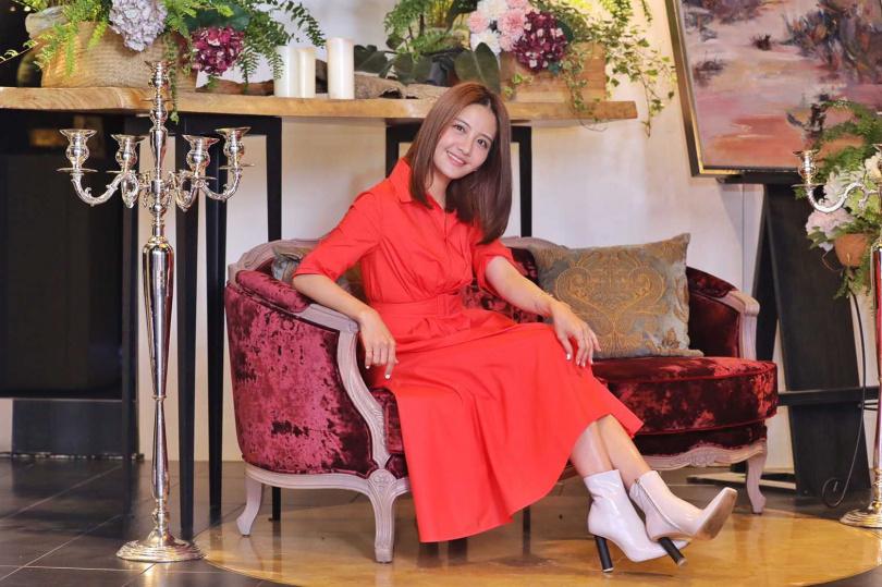 演出《女兵日記》受到矚目的李宣榕,27日加盟福茂,她透露除了7位數的簽約金外,音樂事業的詳盡規劃才是打動她的主因。(攝影/張祐銘)