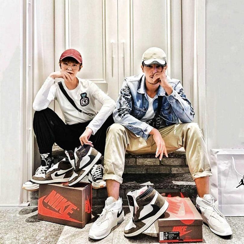 陳禕倫與女友鄒寧恩都很喜歡蒐集球鞋,對挑鞋極有品味。(圖/翻攝自陳禕倫臉書)