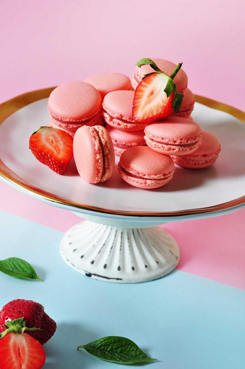 圖為「草莓馬卡龍」。