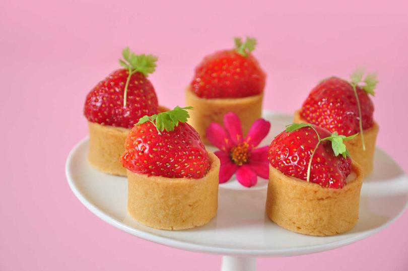 圖為「草莓檸檬塔」。