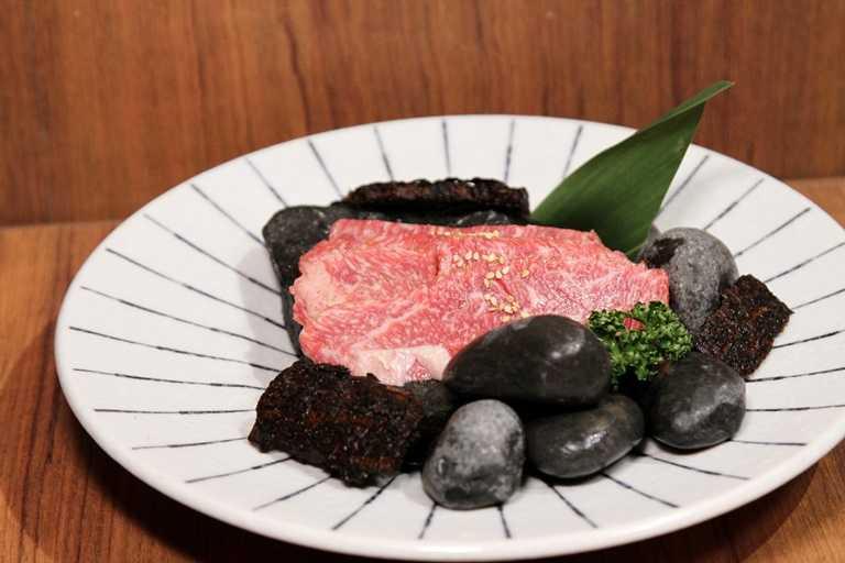 日本A5等級的和牛展現美味的極致。