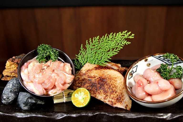 除了和牛外,餐廳同時還提供雞肉料理,由左至右分別為雞松阪、桂丁雞腿與鳥金玉(雞佛)。