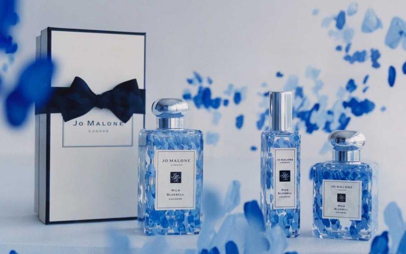 Jo Malone London藍風鈴限量彩繪系列香水 30ml/2,700元、50ml/3,650元、100ml/5,400元(圖/品牌提供)