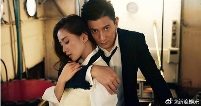 2015年吳奇隆與劉詩詩結為夫妻,感情深厚目前育有1子「步步」。(圖/翻攝自新浪娛樂微博)