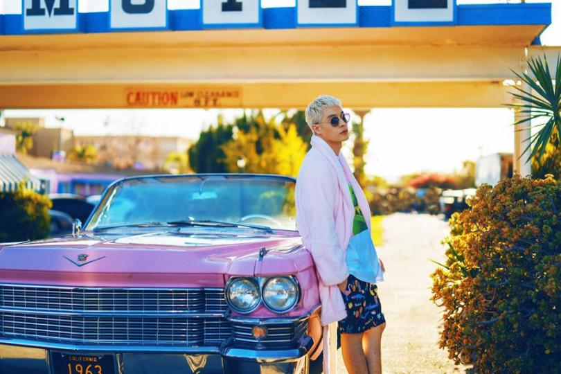 周湯豪新歌MV國際感十足,更遠赴美國洛杉磯與韓國首爾取景拍攝。(圖/索尼提供)