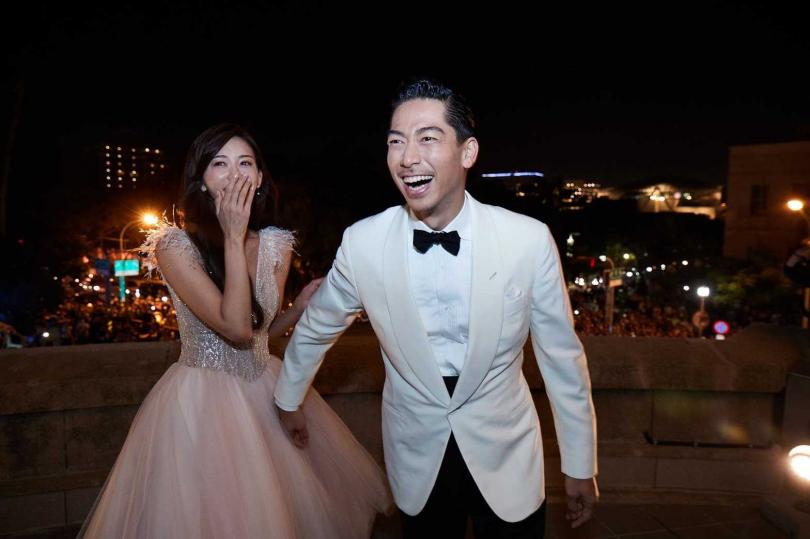 AKIRA坦承結婚當天被人潮嚇到。(圖/翻攝AKIRA臉書)