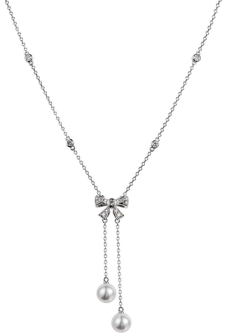 MIKIMOTO「蝴蝶結造型珍珠墜鍊」╱115,000元。(圖╱MIKIMOTO提供)