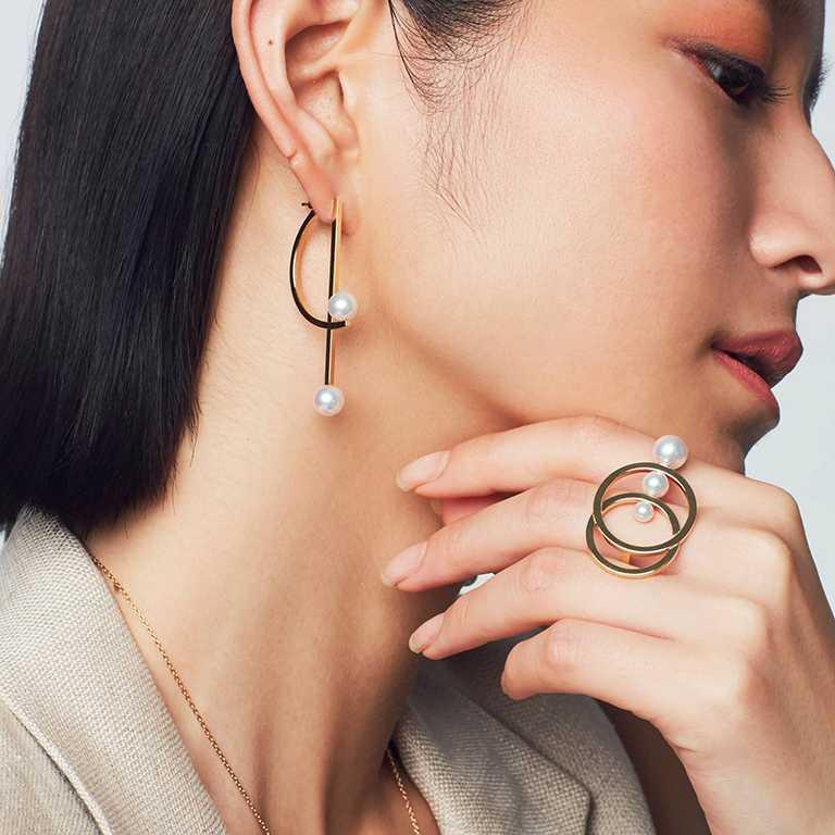 TASAKI「Cosmic系列」珍珠黃K金戒指╱121,000元。(圖╱TASAKI提供)