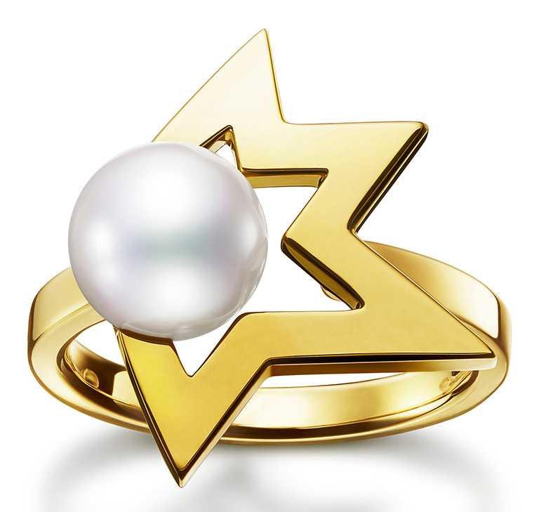 TASAKI「Comet Plus系列」珍珠黃K金戒指╱51,700元。(圖╱TASAKI提供)