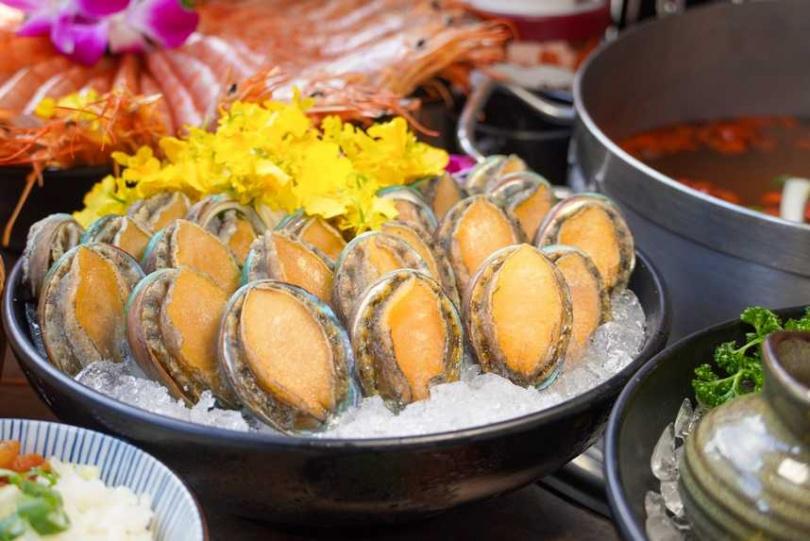新馬辣Plus+祭出折扣,平日午餐降至665元,午餐則降至755元。