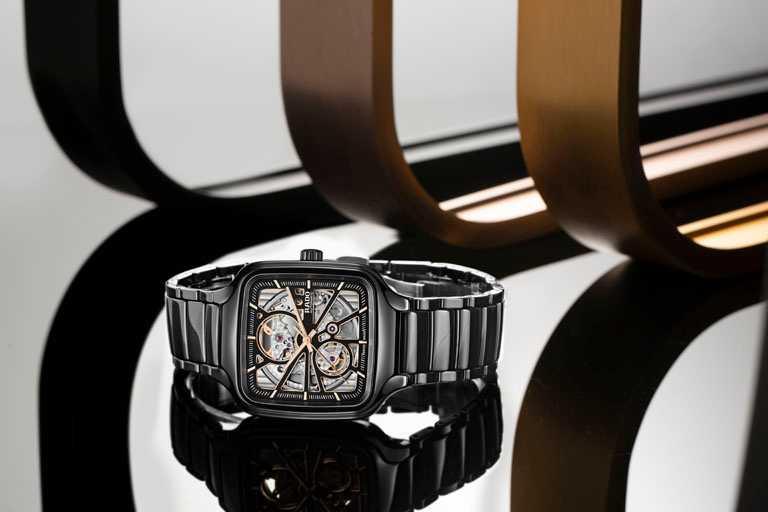 RADO「True Square真我」系列,方形電漿高科技陶瓷鏤空自動腕錶,黑色高科技陶瓷錶殼,38mm╱71,100元。(圖╱RADO提供)
