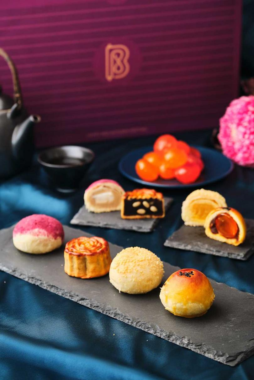 復興空廚中秋禮盒今年特色可一口氣品嚐四種風味月餅