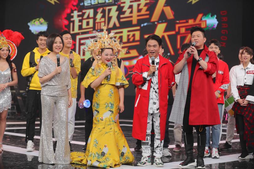 于美人、白冰冰、吳宗憲和曾國城在《超級華人風雲大賞》中擔任隊長,將分成兩隊龍虎大PK。(攝影/施岳呈)