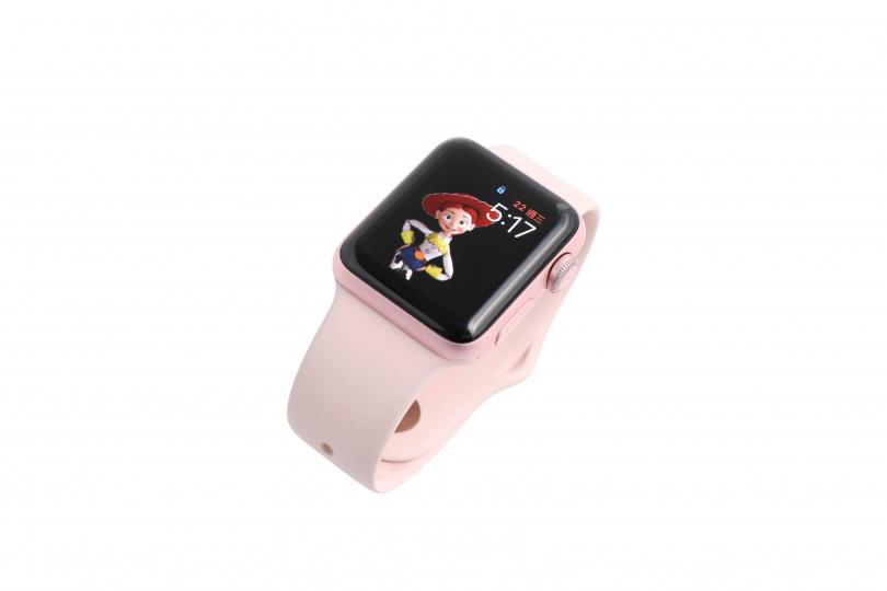 Apple Apple Watch 12000元。(圖/戴世平攝)