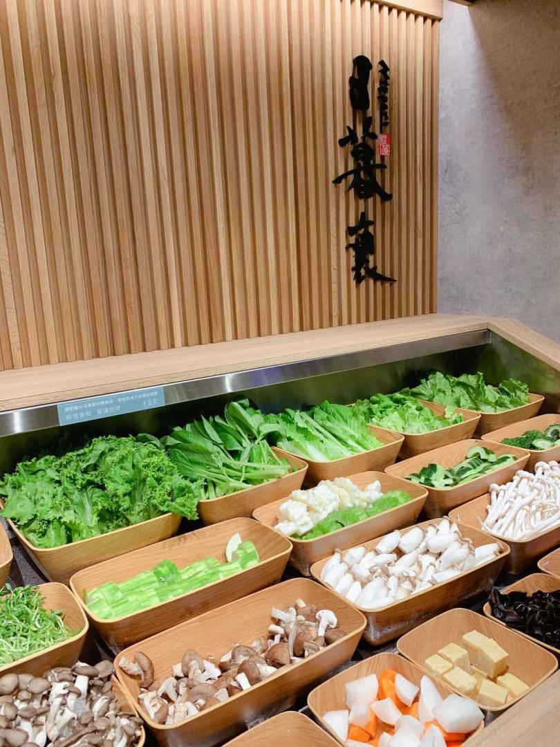 超過二十種以上蔬菜任你挑選。