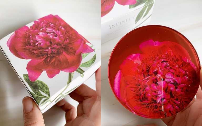 KOSE無限肌緻驕縱花綻限定蜜粉14g/2,000元這回一樣是跟來自日本的花卉裝置藝術edenworks合作,共同推出這款極度搶眼的限定蜜粉。(圖/吳雅鈴攝影)