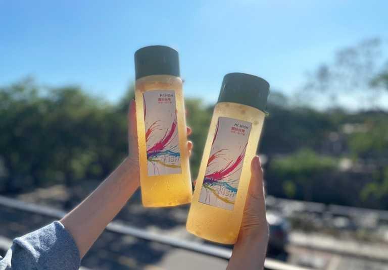 「Mr.Wish 鮮果茶玩家」與果乾品牌合作,推出可以DIY又健康的水果茶,自己在家就能動手做。