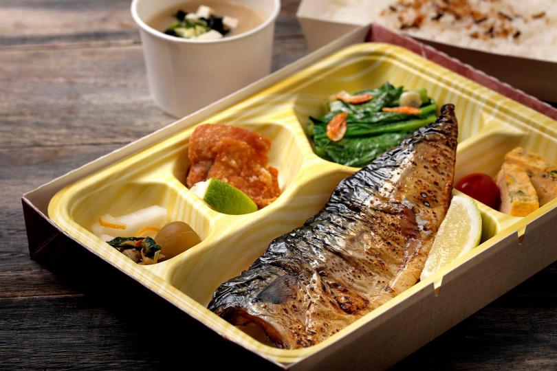 「炭烤鯖魚便當」。(特價199元,圖/鳥丈爐端燒提供)