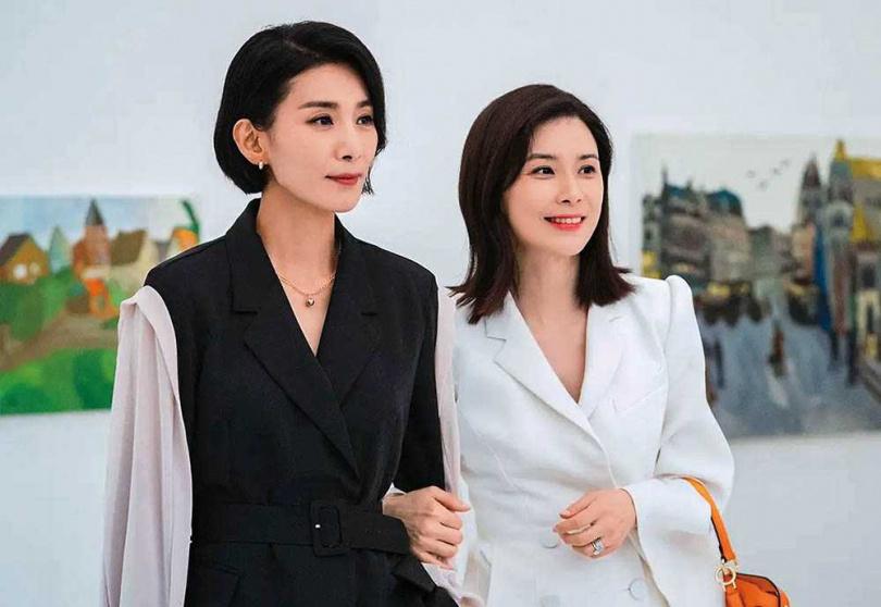 李寶英和金瑞亨戲外感情相當好,她笑說自己像個小跟班,追著金瑞亨分享近況。(圖/翻攝自tvN)