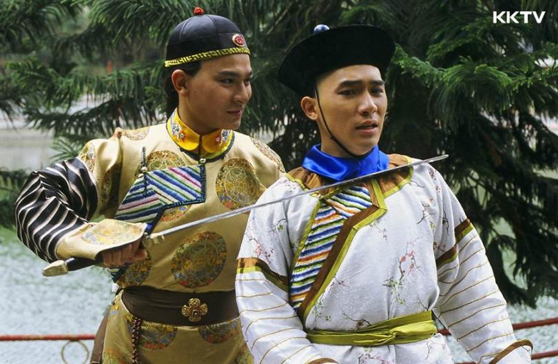 梁朝偉、劉德華兩大男神的《鹿鼎記》,重現兩人青澀模樣。(圖/KKTV)