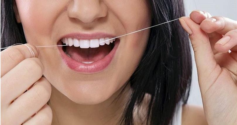 牙線可以更徹底潔淨牙齒,清潔牙刷漏掉的死角與齒縫,擁有好的情節習慣才能擁有一口好牙唷。(圖片/IG@kulturagizvedissagligi)