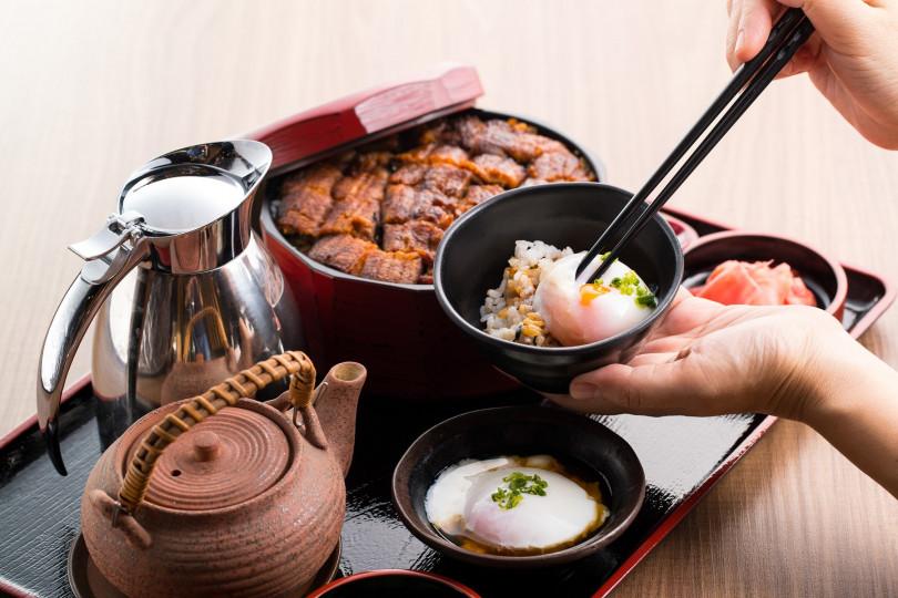 以日本名古屋名物—鰻魚三吃所延伸的吃法「夢幻鰻魚桶飯3+1吃」。(圖/無敵一家 鰻や)
