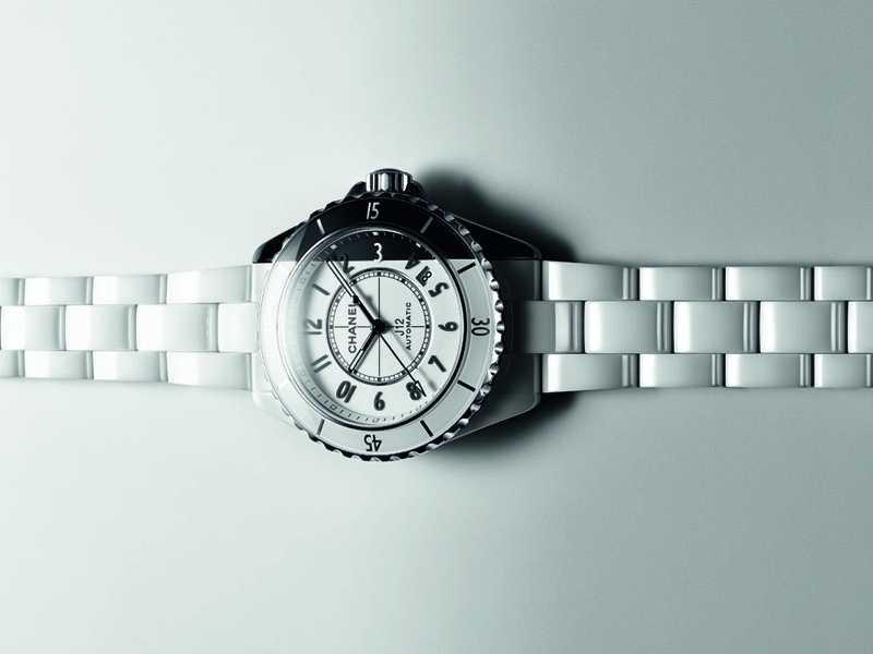 CHANEL「J12 Paradoxe」腕錶╱價格未定(圖片提供╱CHANEL)
