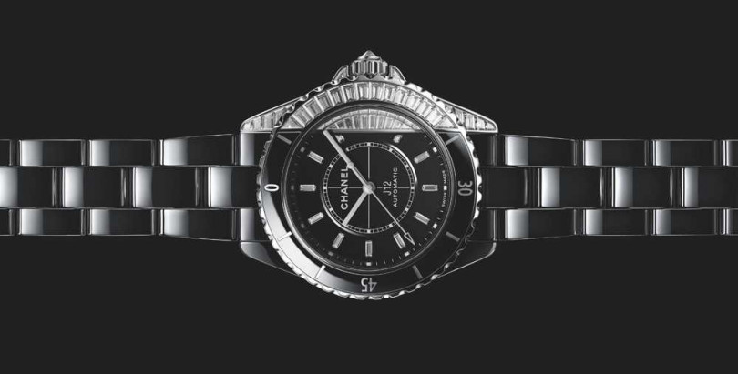 CHANEL「J12 Paradoxe」鑽石腕錶╱6,139,000元(圖片提供╱CHANEL)