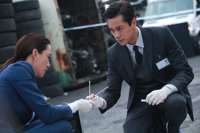 黃浩然劇中飾演高級化驗師。(圖/LINE TV提供)