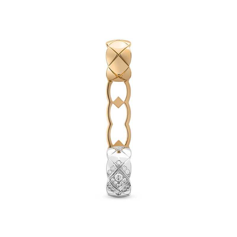 CHANEL「COCO CRUSH系列」18K白金、18K Beige米色金鑲鑽耳扣╱145,000元(圖╱CHANEL提供)