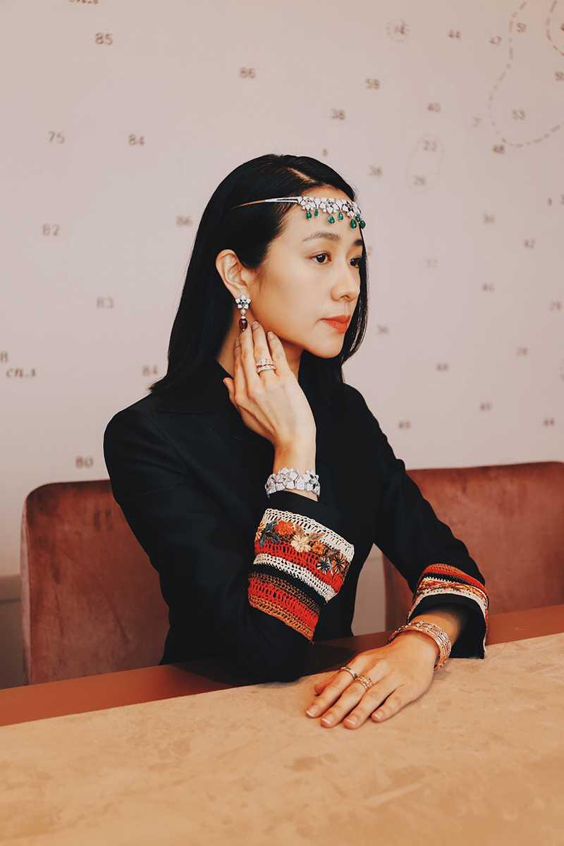 台灣女星林嘉欣搶先佩戴BVLGARI「JANNAH系列」頂級珠寶,出席阿布達比舉辦的新品發表會,風采耀眼迷人。(圖╱BVLGARI提供)