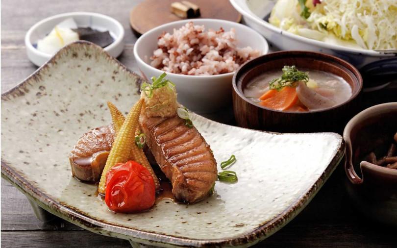薑汁醬燒鮪魚腹肉套餐。(圖/勝勢提供)