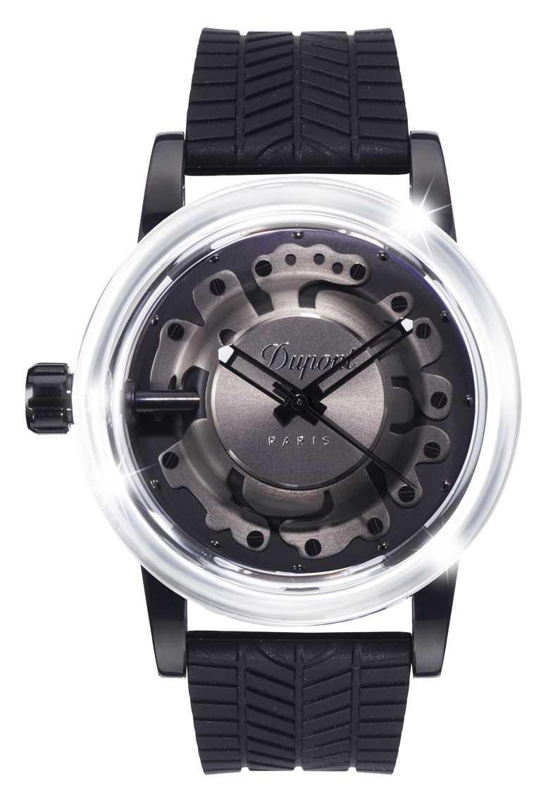 S.T. Dupont「HYPERDOME」系列腕錶,「Be Extreme極致」錶款╱19,800元。(圖╱S.T. Dupont提供)